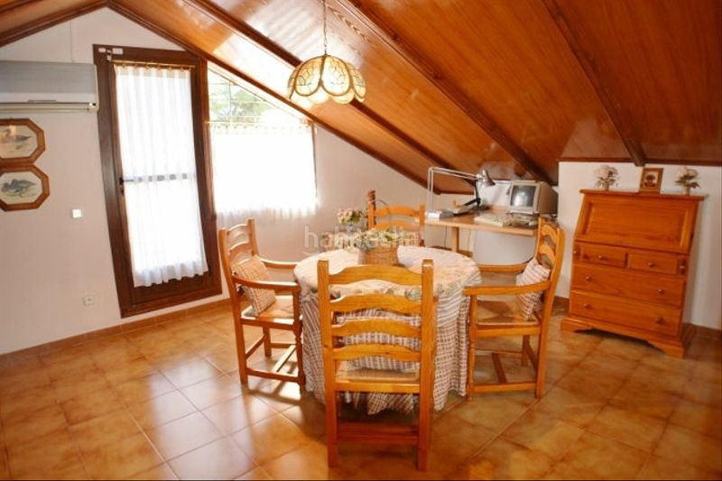 BUHARDILLA. Chalet with fireplace heating parking pool in Monasterios-Alfinach Puçol