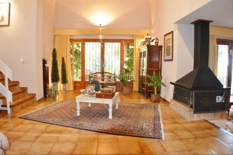 SALON-COMEDOR. Chalet with fireplace heating parking pool in Monasterios-Alfinach Puçol