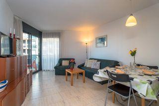 Holiday Lettings Apartment in Avinguda riells, 116. Primavera - piscina - wifi - pk