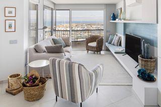 Holiday Lettings Apartment in Carrer romeu de corbera, 1. Vista mar