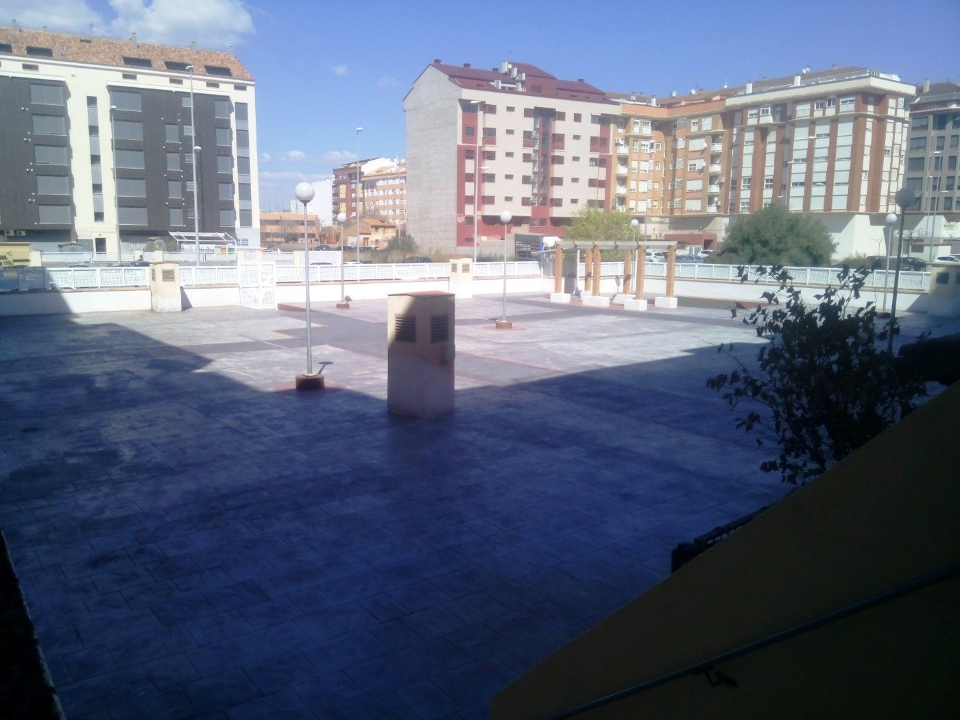 Piso  Calle manuel sanchis guarner. Chaflan