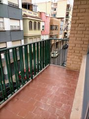 Rent Flat in El Pilar. Con balcon