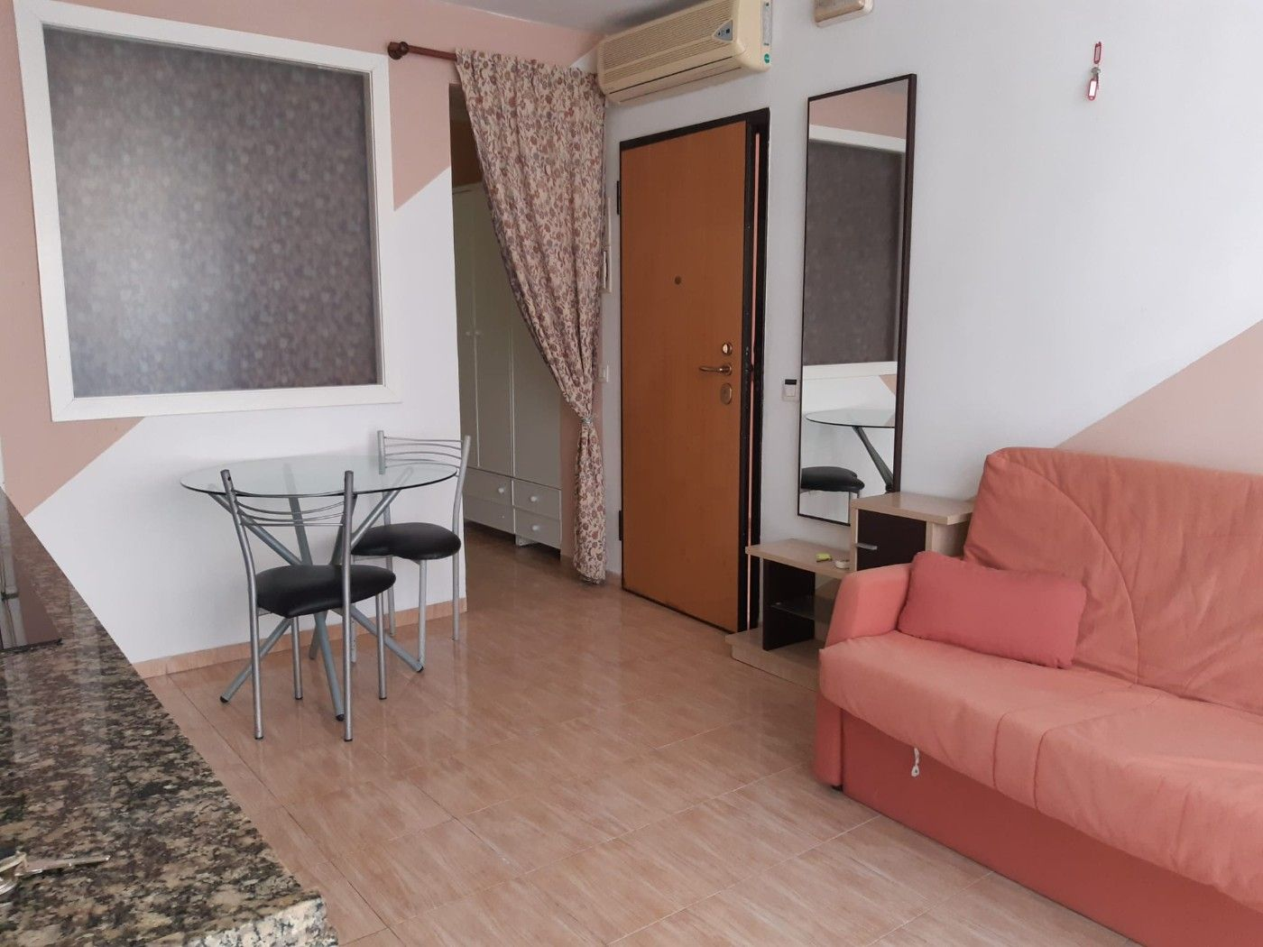 Rent Studio in Madrigal