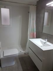 Location Appartement  Carrer creu. Bien situado ideal estudiantes