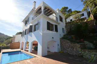 Chalet in Begur. Chalet con 4 habitaciones y parking