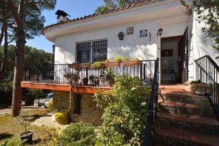 Chalet en Cabanyes-Mas Ambrós-Mas Pallí. Chalet con 4 habitaciones, parking, calefacción y jardín
