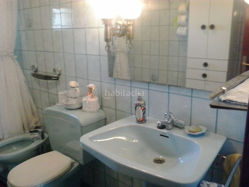 Baño. Country house with fireplace parking pool in Valls
