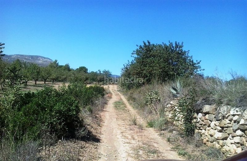 Camino de tierra. Country house with fireplace parking pool in Valls