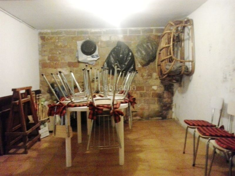 Comedor rústico . Country house with fireplace parking pool in Valls