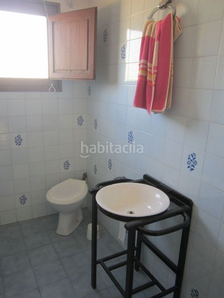baño. Country house with fireplace parking in Valls
