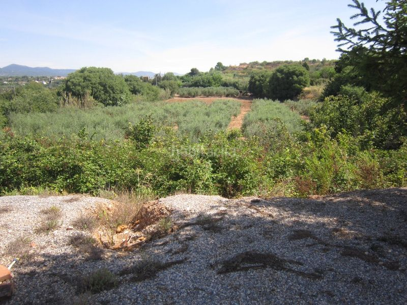 vistas. Country house with fireplace parking in Valls