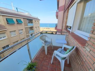 Appartement  Carrer rusiñol. Piso luminoso con vistas al mar