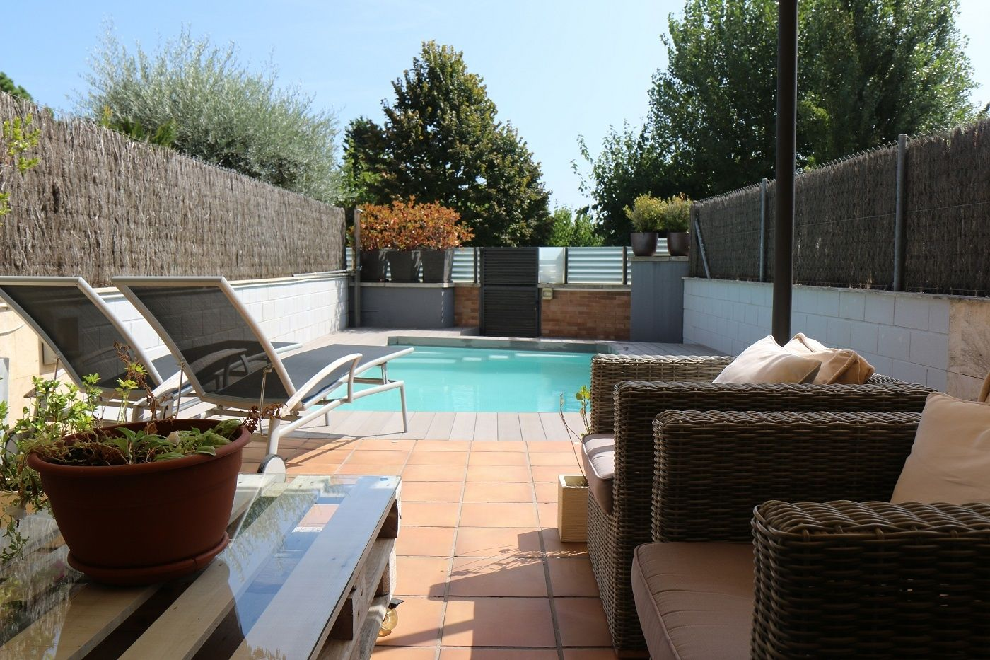 Semi detached house  Carrer maresme. Casa reformada con piscina