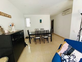 Ground floor  Carrer sant marc. Piso amplio para entrar a vivir