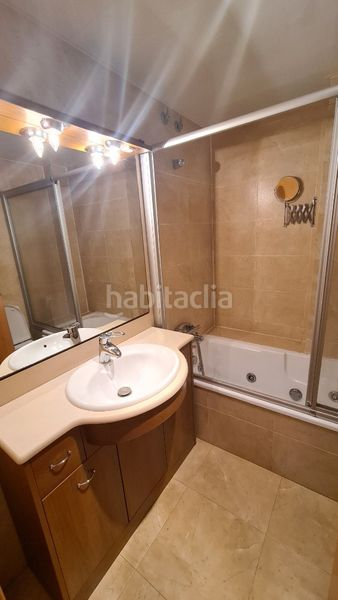 Baño. Flat with heating in Canet de Mar
