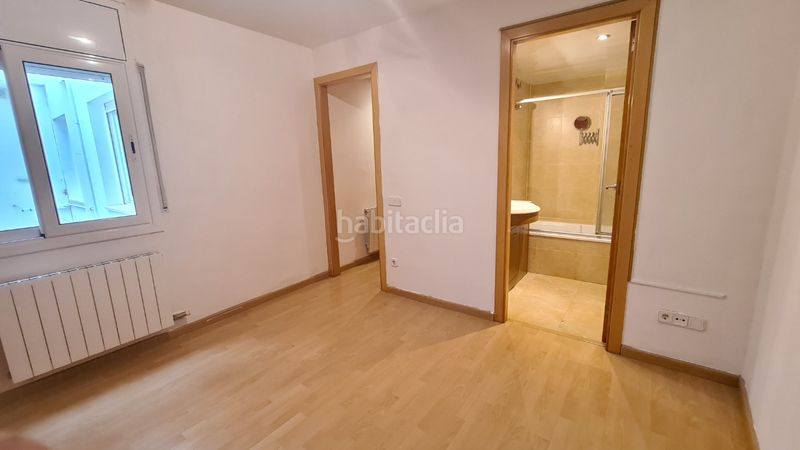 Dormitorio. Flat with heating in Canet de Mar