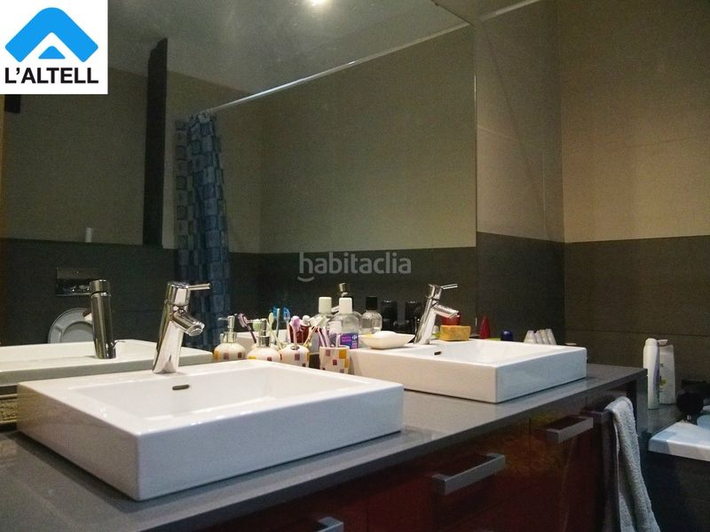 Baño. Semi detached house with fireplace heating parking pool in Ametlla del Vallès (L´)