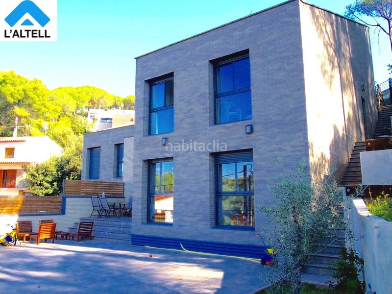 Fachada. Semi detached house with fireplace heating parking pool in Ametlla del Vallès (L´)