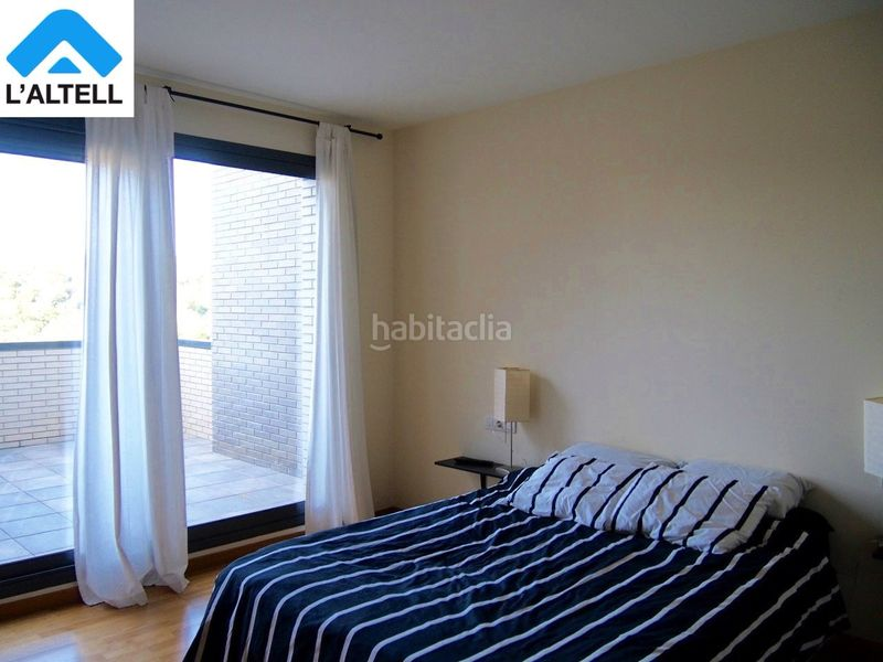 Habitación Suite. Semi detached house with fireplace heating parking pool in Ametlla del Vallès (L´)