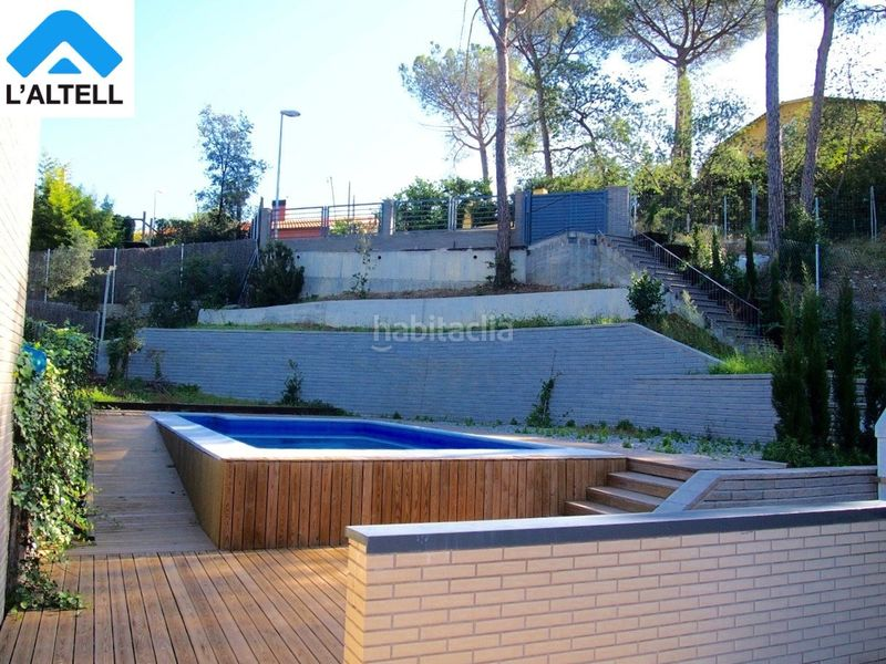 Piscina. Semi detached house with fireplace heating parking pool in Ametlla del Vallès (L´)