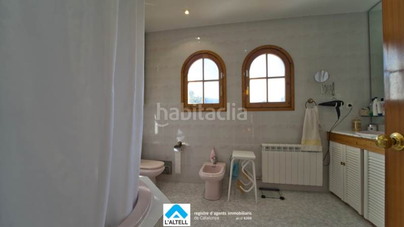 Baño. House with fireplace heating parking pool in Ametlla del Vallès (L´)
