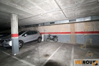 Parking coche en Carrer Marti I Codolar