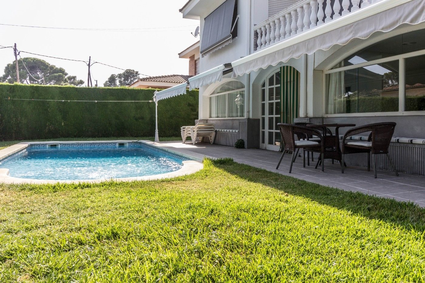 House in Carrer caravel.la, 30. Con piscina privada