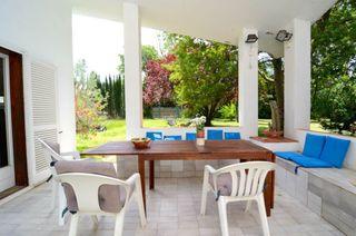Chalet en Escala (L´). Chalet con 4 habitaciones, parking, calefacción, terraza y jardí