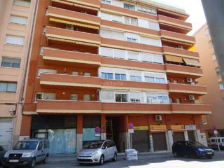 Local commercial à La Maurina. Local comercial en venta en ca n´aurell.  terrassa