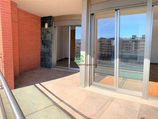 Piso  Juan de borbon. A estrenar con terraza de 13 m2