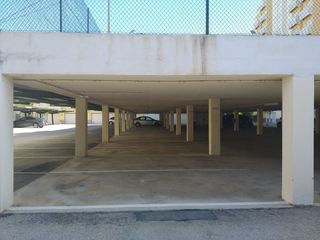 Car parking in Calle serrania del turia, 4. Buen acceso
