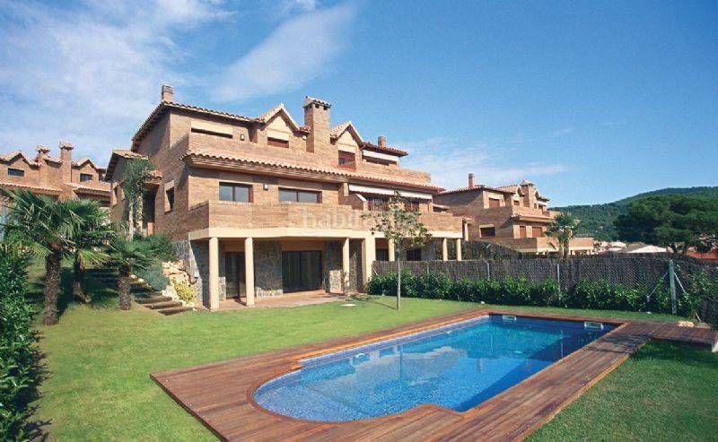 El placer de disfrutar de su piscina  Conjunto Residencial Dosrius