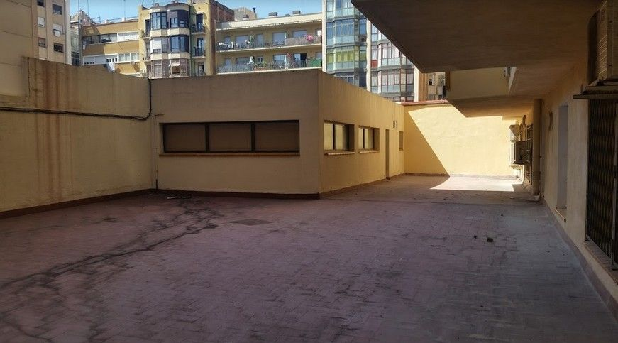 Local Comercial en La Verneda - La Pau. Venta local de 1200m2 barcelona,