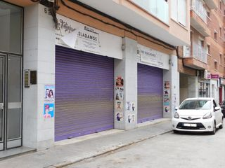 Local commercial  Carrer doctor ulles. Amplio local en ca n´aurell