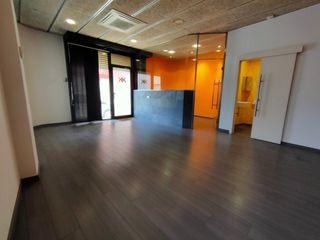 Alquiler Local Comercial en Carrer lavoisier, 37. Local para oficina
