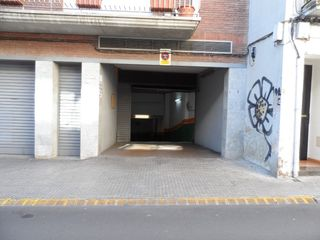 Alquiler Parking coche en Carrer antoni torrella, 29. Plaza de parking ca n´aurell