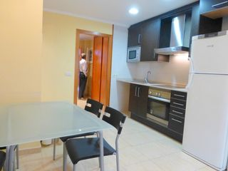Appartement  Carrer floridablanca. Baix 1 hab moblat amb parking