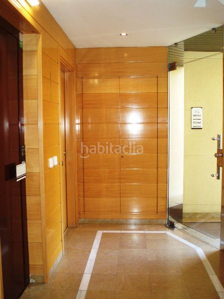 Entrada. Flat with heating pool in Palau Girona