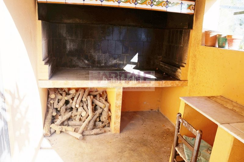 PAELLERO. Chalet with fireplace heating in Xàtiva