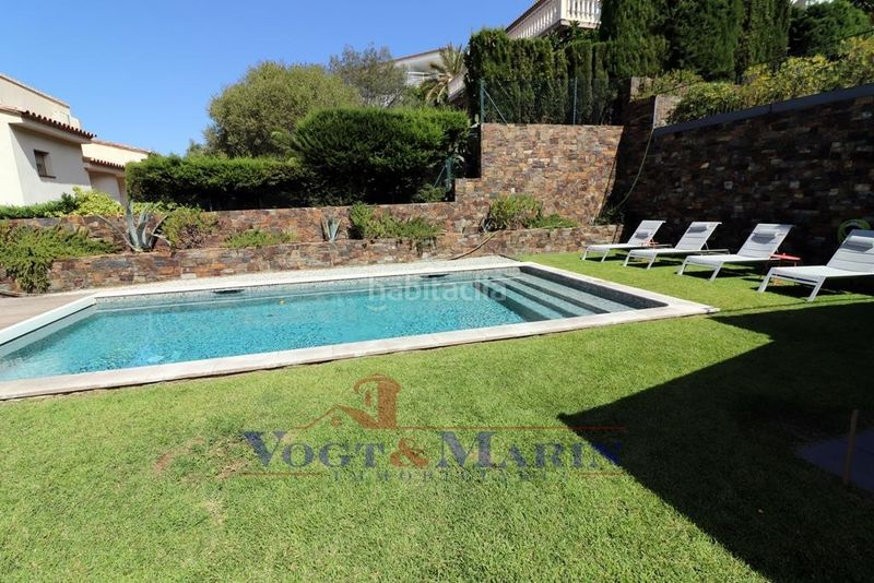 Piscina. House with heating parking pool in Puig Rom-Canyelles-Almadrava Roses