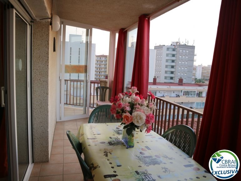 Apartment in Carrer Punta Del Mig (de La)