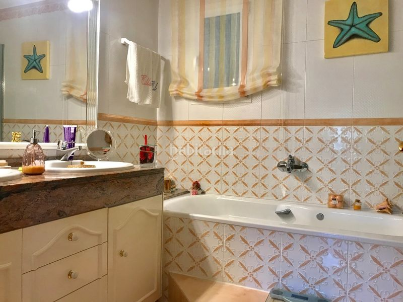 Baño. Chalet with fireplace heating parking pool in Molins de Rei
