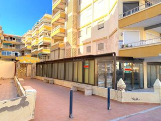 Business premise in Tavernes de la Valldigna. Local comercial de 120 m2 en av. de la marina, playa de tavernes
