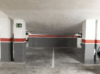 Car parking  Carrer jaume comas. Parquing doble. sin vecinos