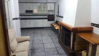 House en Plaza de Toros-Avenida Chapí-Trinquete. Casa venta elda, 103000€
