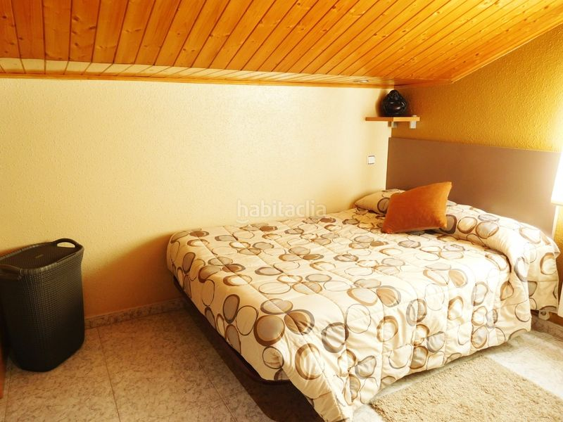 HABITACION. House with fireplace heating parking pool in Caldes de Montbui