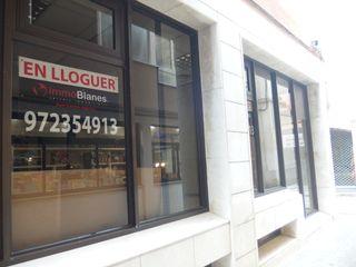 Locale commerciale Carrer Roig I Jalpi. Locale commerciale in affitto in blanes, centre costa brava per