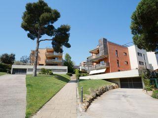 Apartament  Avinguda boadella (sa). Con terraza y parquing incluido