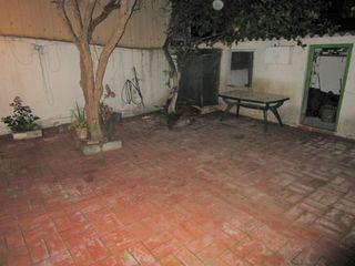 Piso Cerca C.C. Montigalà. Planta baja con patio 50 m2.