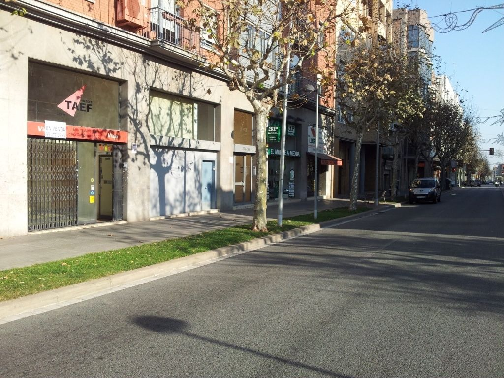 Local commercial  Carrer laurea miro. Ideal para cualquier negocio